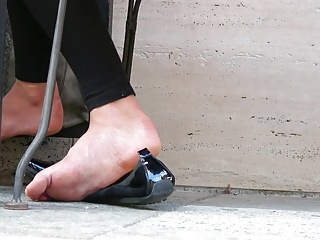 Asian teens foot works Business girls foot work-out 1