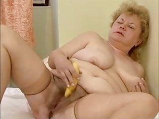 Granny getting cock 8 - 8 wichsende omas