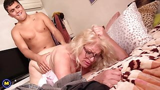 Granny and step mom suck and fuck like pros