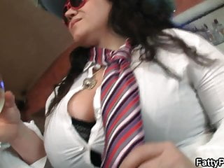 Blood, sex and booze - Boozed bbw girls have fun in the bar