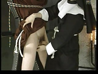 Spank de Le chateau des supplices nun disciplines young man part 1 wf