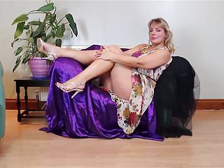 Mature sex vidieos - Super mature sex bomb mom with big tits and ass