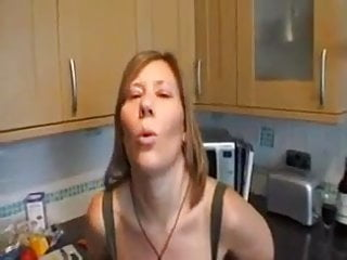 Kitchener love and sex anonymous - 7 minutes of cucumber loving mature in kitchen