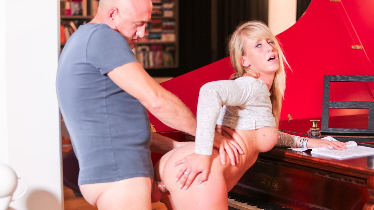 La Novice - French MILF Tries Anal With Her Piano Teacher