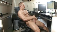 Str8 fit guy jerk off
