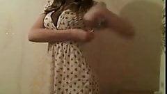 Superbe nenette nous montre son joli corps