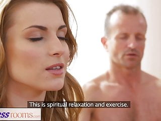 Fucking a fitness model - Fitnessrooms dirty yoga teacher on gorgeous fitness model