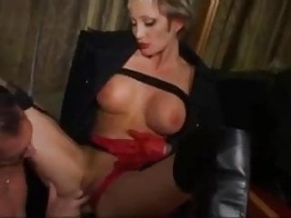 Sex and leather boots Amateur milf in leather boots butt fucking