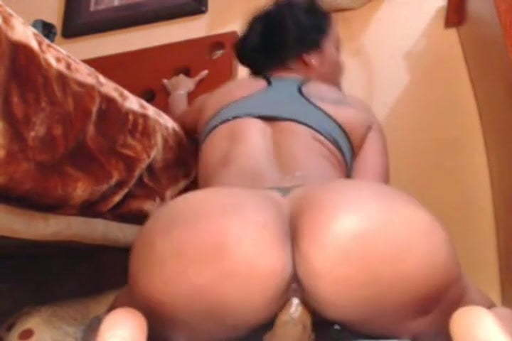 Giving Thick Latina Backshots