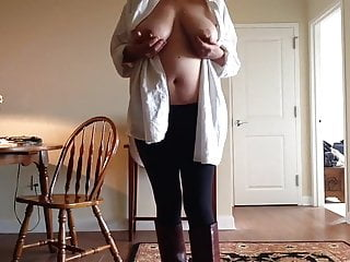 Fucking girls with big tita Tita enjoy alone