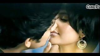Ileane dcruz sexy kiss