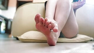 Soles and Perfect Feet - Amateur Feet Airlines