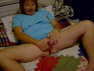 Bushy cunt vids Short vid wife playing with cunt