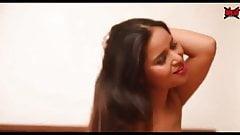 Hot girl ne boyfriend ko ghar bulaya or khub chudayi karvayi