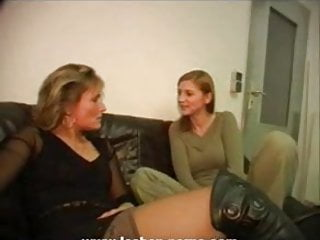 Lesbian mother daughter tgp Hot mother-daughters friend action german