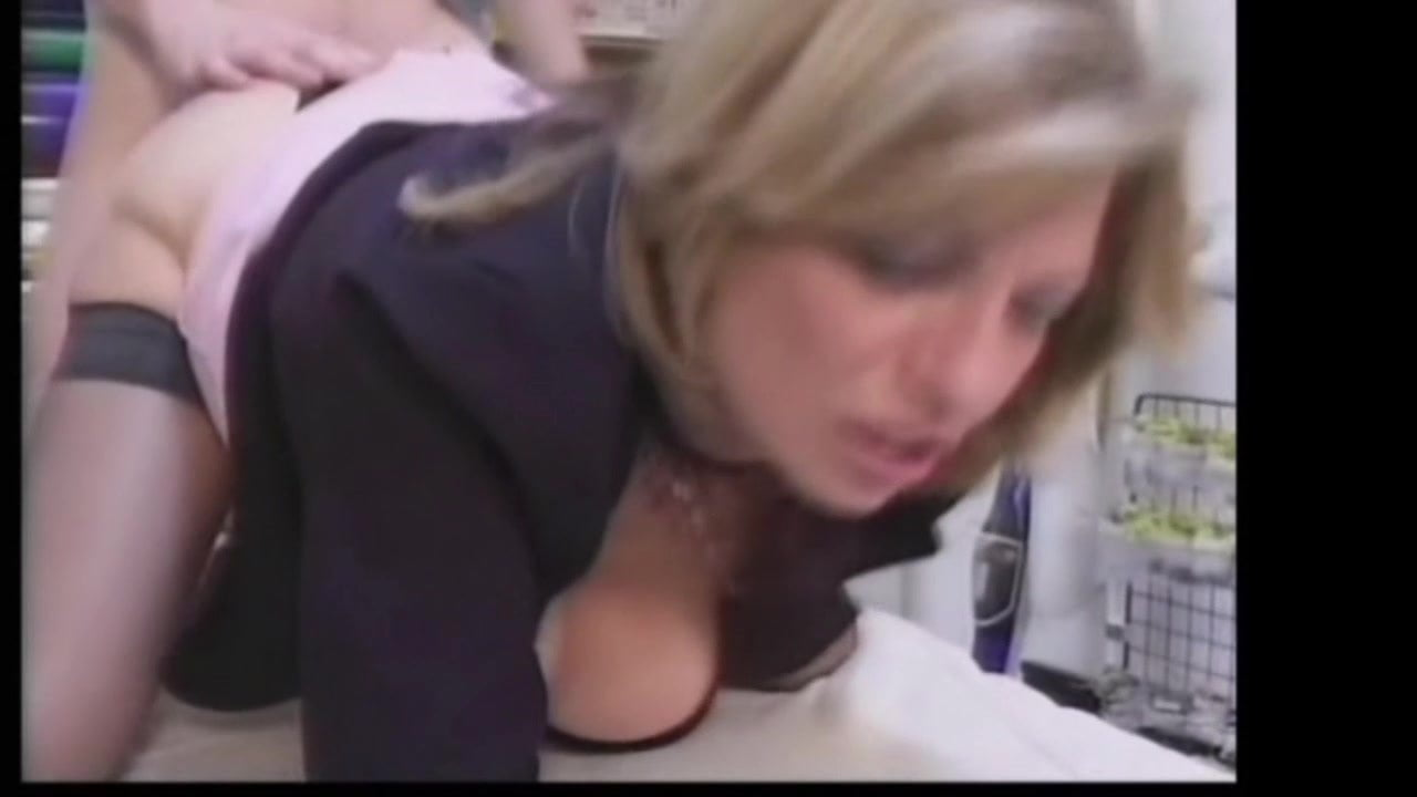 Free download & watch lucky guy gets cauth by his blonde milf boss in stockings          porn movies