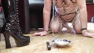 Grandpa lick boots of German Mistress