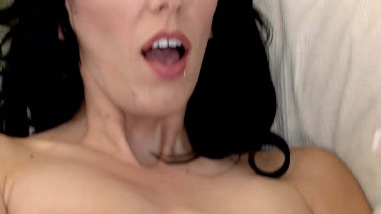 Busty Brunette Webcam Solo