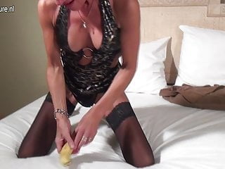 Bananas boobs Squirting red mother toying her cunt with banana