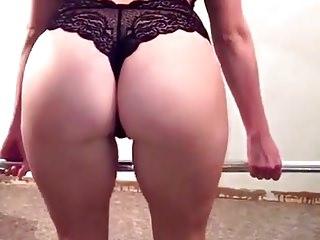 Sexy female santas Sexy female squat booty