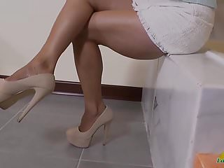 Horny mature pussy - Latinchili horny mature pussy play compilation