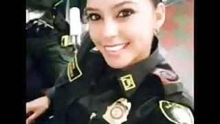 Policia Sexi Gritando De Placer