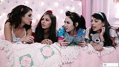4 lesbiche si divertono di notte negli anni '80