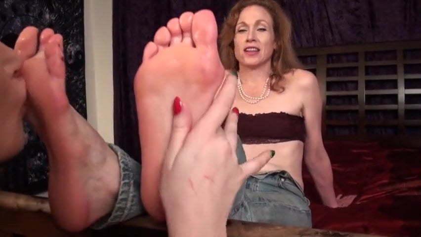 Lesbian Feet Worship Naomi