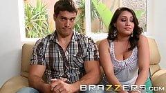 Brazzers - Charley Chase, Raylene Ramon - терапия в тройничке