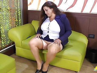 Taboo granny pussy - Latinchili rosaly is masturbating her fat latin granny pussy