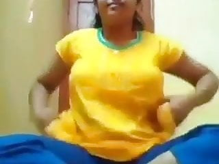Wife exposing her pussy - North indian girl exposing her hot body