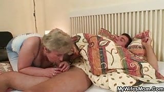 Great sex with her stepmom