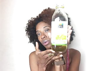 Boob squeeze video Afro lady squeezes milk from her boob for youtube 2