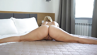 flexible curvy stepsis' first time on video