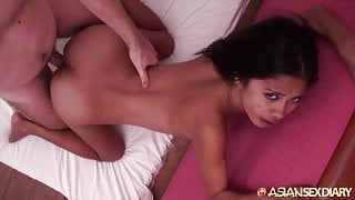 Asian Sex Diary - Sexy Filipina babe gets creampied