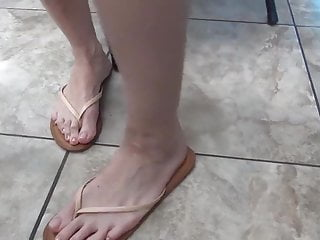 Female model in bikini Barefoot model amateur foot soles female 18