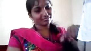 Amateur Desi MILF in pink sari posing on camera.mp4