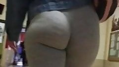 College pawg grey yogas no panties jiggle