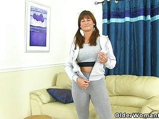 Fun sex woman - An older woman means fun part 43