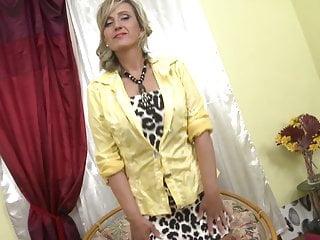 Sexy next door video - Sexy mature mom next door wants a good fuck