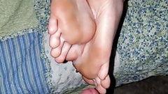 Best friend lets me cum on her feet.