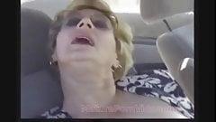 Секс бабушки в машине