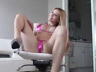Masterbates dildo Pink masterbation