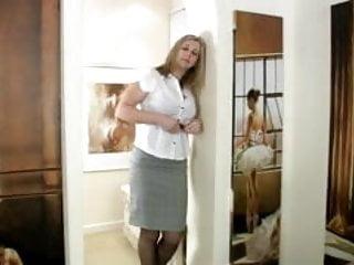 Tonya elliot nude - Busty mature mom tonya