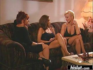 Lesbian bikini porn - T.j. hart and her busty girlfriends retro porn