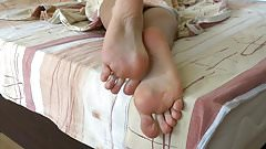 My soft soles on the bed - awesome foot fetish video