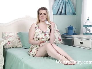 Strip treasury us - Rebecca louise strips naked for us on her bed