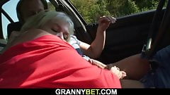 Hitchhiking old granny gets used in the car