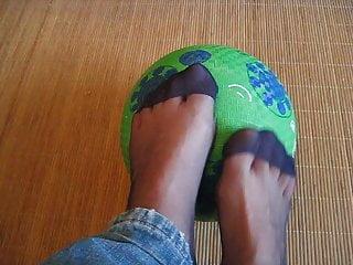 Bleu fetish tickle porn Mes pieds en nylon bleu