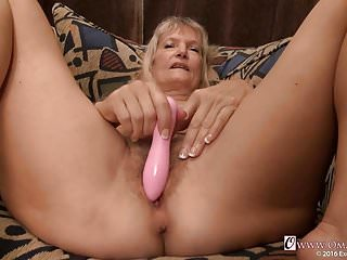 Free pics of mature wemen - Omageil aged ladies and true granny pics slidesow